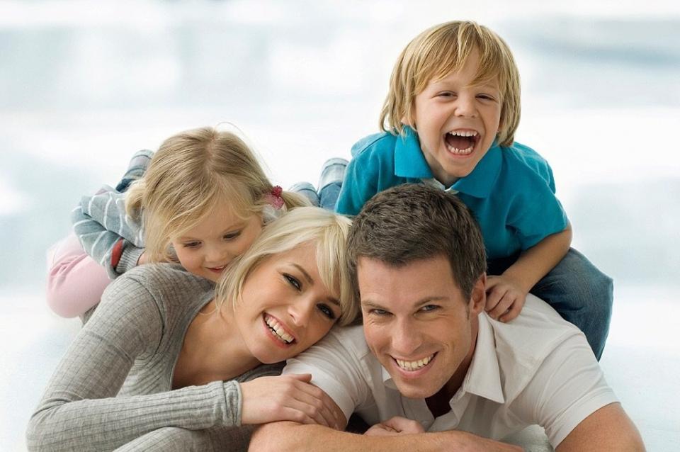Картинки с надписью для идеальный семьи, нарисовать открытки днем